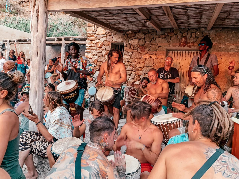 Hippietrommeln Ibiza Sonnenuntergang